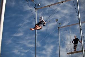 trapeze-300x200